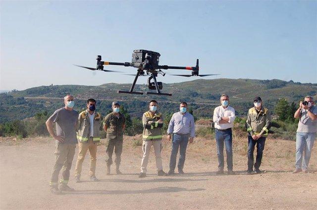 Maniobra de demostración del uso de drones para detectar incendiarios