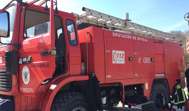 Archivo - Un camión de Bomberos de la Diputación de Sevilla