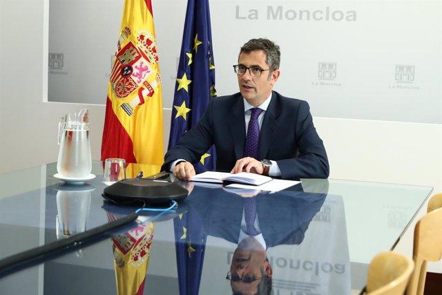 El ministro de la Presidencia, Relaciones con las Cortes y Memoria Democrática; Félix Bolaños, en la primera la reunión interministerial para coordinar las acciones en Afganistán, a 19 de agosto de 2021, en Madrid, (España). La reunión de este jueves, la