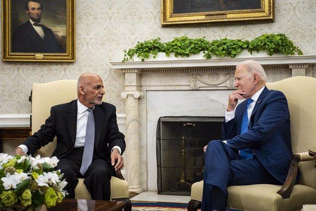 Archivo - Joe Biden recibe a Ashraf Ghani en la Casa Blanca