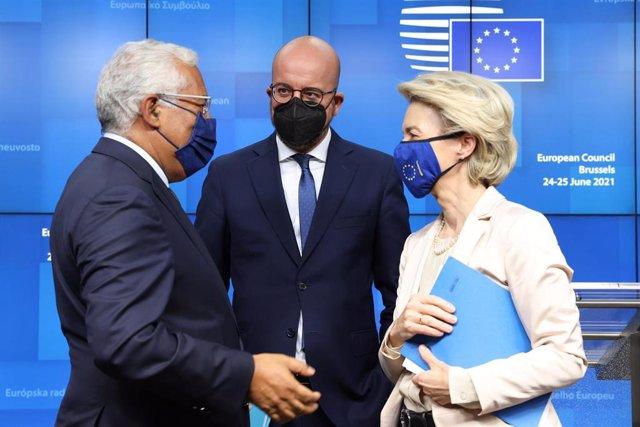 Archivo - El presidente del Consejo Europeo, Charles Michel, junto a la presidenta de la Comisión Europea, Ursula Von der Leyen.
