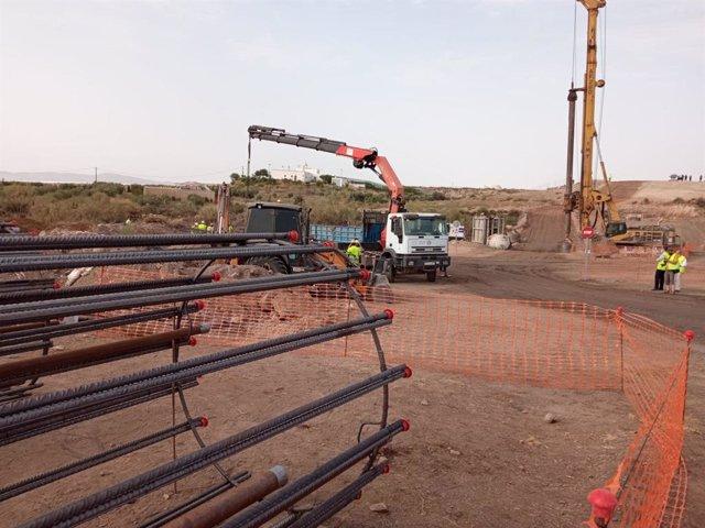 Obras del AVE entre Murcia y Almería en el tramo Los Arejos-Níjar (Almería).