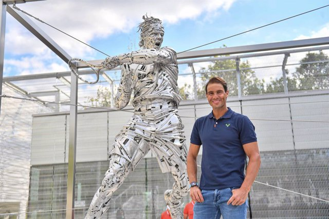Archivo - Roland Garros ensalza a Rafa Nadal con con una estatua