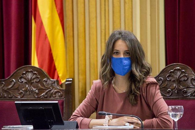 Archivo - La vicepresidenta primera de la Cámara balear y diputada de Unidas Podemos, Gloria Santiago.