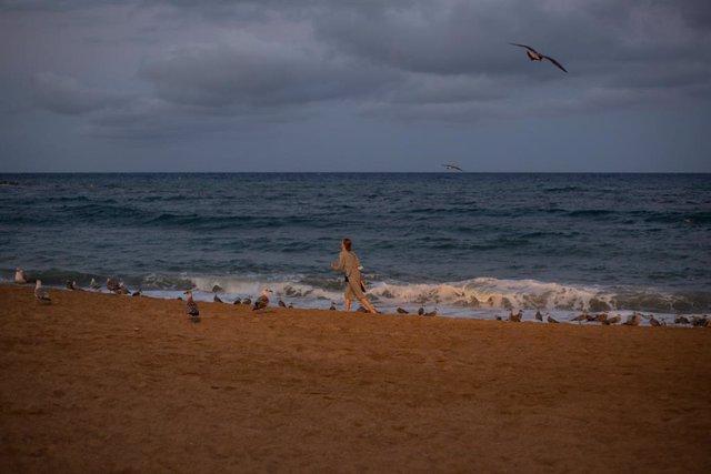 La platja de la Barceloneta (Arxiu)