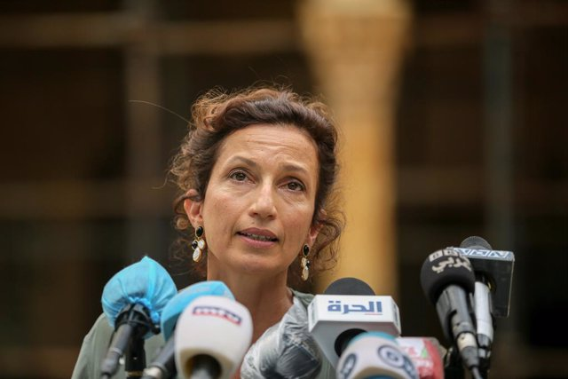 Archivo - Arxiu - 27 August 2020, Lebanon, Beirut: Director general of the UNESCO Audrey Azoulay speaks with the mitjana representatives at the  Sursock Palace, located at the Achrafieh district, which was heavily damaged in the 04 August 2020 deadly Beir