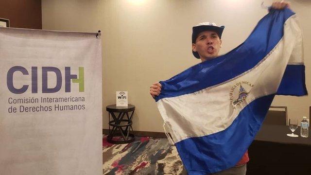 Archivo - Manifestante contra las detenciones en Nicaragua