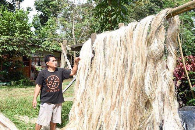Trabajo con fibra textil en Filipinas