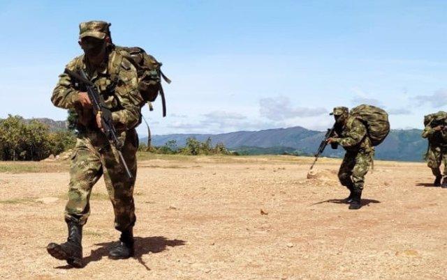 Archivo - Militares de las Fuerzas Armadas de Colombia