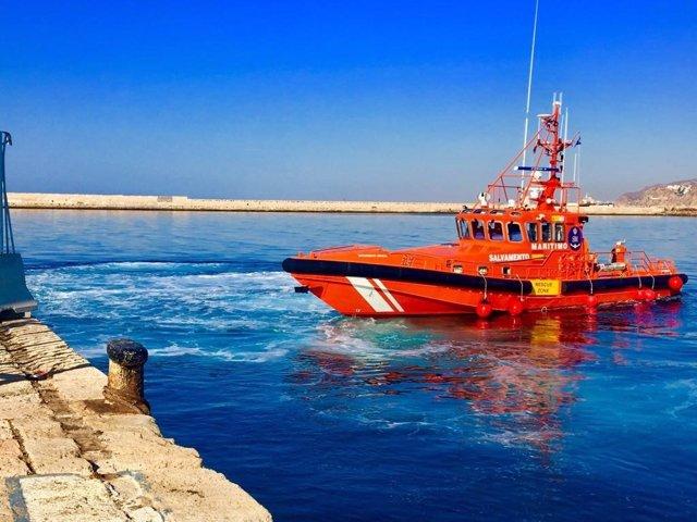 Archivo - La Salvamar Spica en el Puerto de Almería, en foto de archivo-
