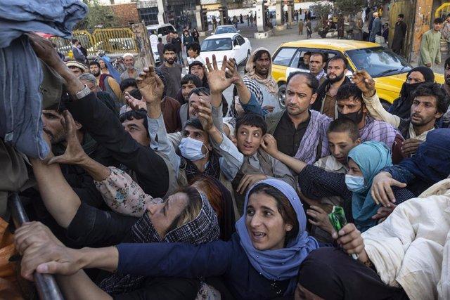 Imatge d'arxiu d'afganesos escapant de Kabul