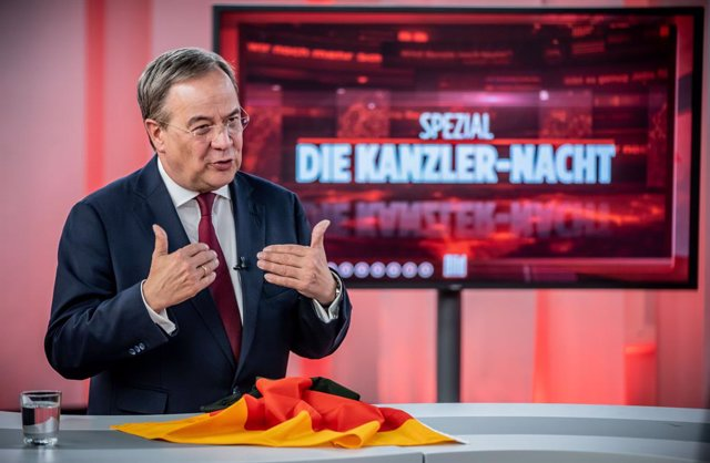 """22 August 2021, Berlin: Armin Laschet, Minister-President of North Rhine-Westphalia, leader of the Christian Democratic Union (CDU) and candidate for Chancellor speaks during the TV interview """"Die richtigen Fragen spezial"""" (""""The right questions special"""")"""