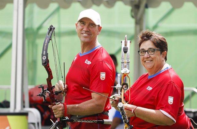 Archivo - Carmen Rubio y Guillermo Rodríguez, deportistas españoles paralímpicos de tiro con arco