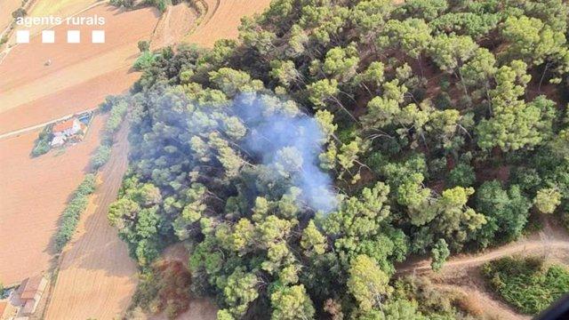 Imatge d'un dels quatre incendis entre Mollet del Vallès i Parets del Vallès (Barcelona)