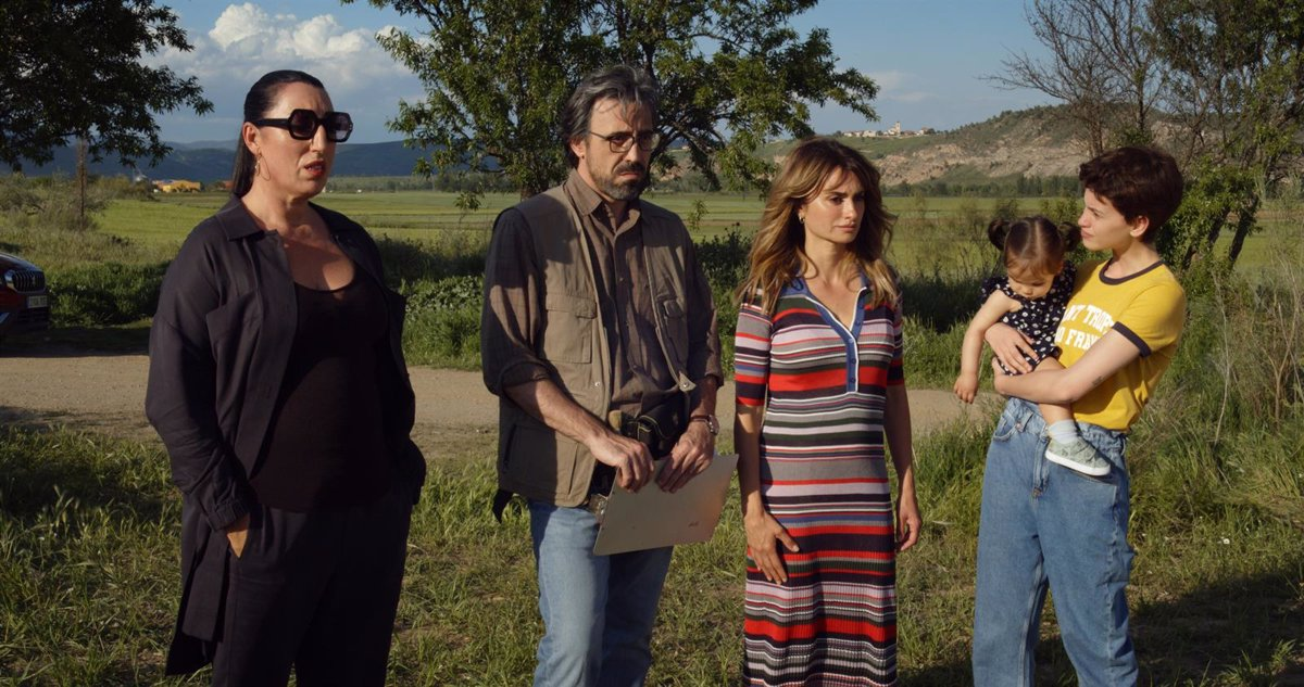'Parallel Mothers', the new film by Pedro Almodóvar, delays its premiere until October 8