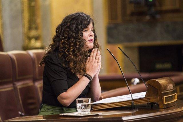 Archivo - La diputada de Unidas Podemos por Asturias, Sofía Fernández Castañón, interviene en una sesión plenaria en el Congreso de los Diputados, a 8 de junio de 2021, en Madrid, (España). El Pleno de hoy, que tiene lugar en medio de las críticas al Gobi