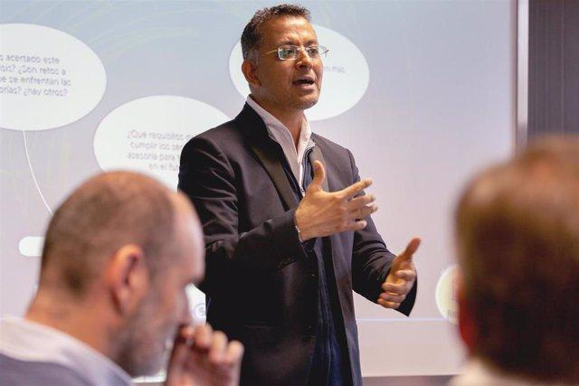 El CEO de Aicad Business School, Hermes Balcázar.