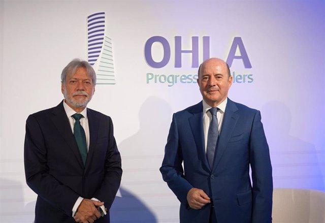 Archivo - Luis Amodio, presidente de OHLA, y José Antonio Fernández Gallar, CEO de OHLA