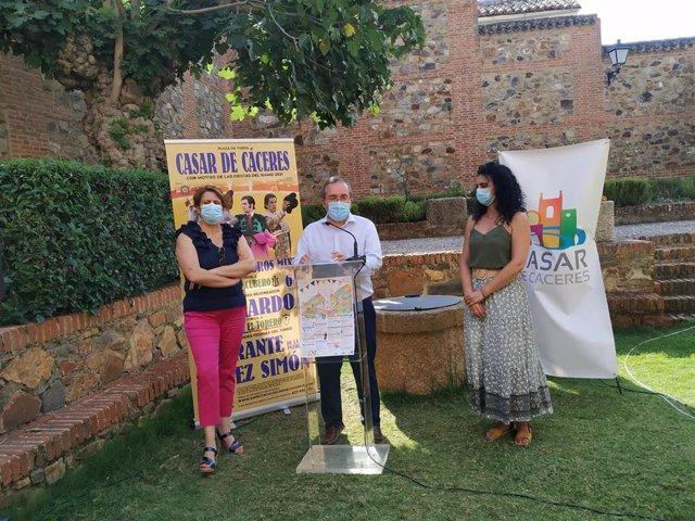 El alcalde de Casar de Cáceres, Rafael Pacheco, presenta la programación de las Fiestas del Ramo que se celebran con actividades limitadas