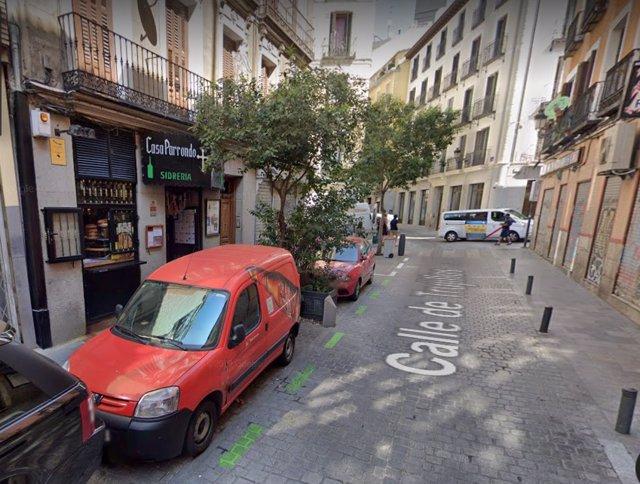 Detenido un hombre por amenazar a otro con una katana frente a Casa Parrando (Madrid)