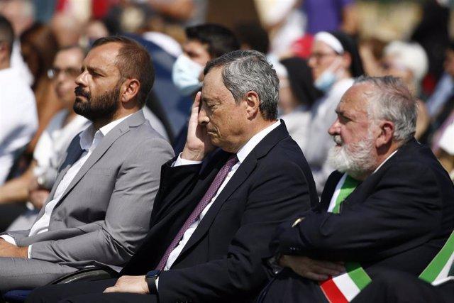 El primer ministro italiano, Mario Draghi, participa en una ceremonia para recordar a las casi 300 víctimas del terremoto de 2016 en la localidad de Amatrice