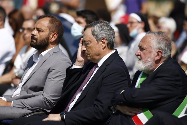 24 August 2021, Italy, Amatrice: Italian Prime Minister Mario Draghi attends a ceremony commemorating the 5th anniversary of the August 2016 central Italy earthquake, during which 299 people were killed, dozens injured and around 4500 people became homele