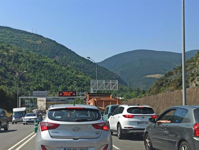 Tráfico denso en las cercanías de la frontera hispanoandorrana