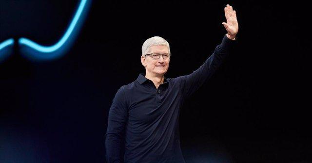 Archivo - El CEO de Apple, Tim Cook, en la WWDC 2019.
