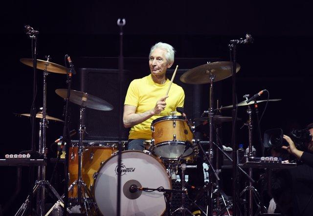 Charlie Watts durante un concierto de los Rolling Stones en California en 2016