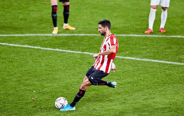 Archivo - Kenan Kodro of Athletic Club scoring a goal during the Spanish league, La Liga Santander, football match played between Athletic Club and SD Huesca at San Mames stadium on December 18, 2020 in Bilbao, Spain.