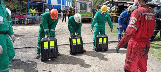 Equipos de salvamento de la ANM en la mina de Boyacá.
