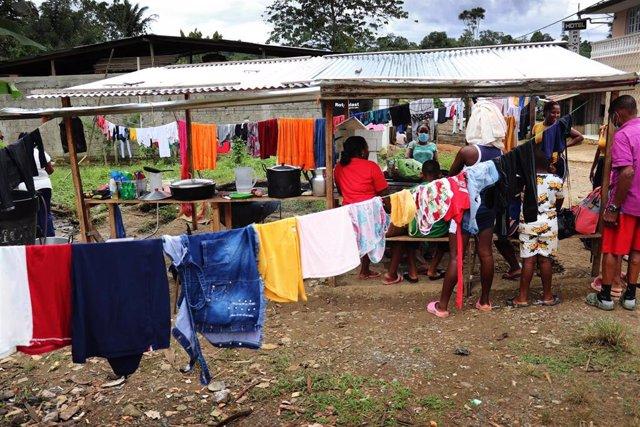 Personas desplazadas en uno de los albergues del municipio de Roberto Payán, en Colombia