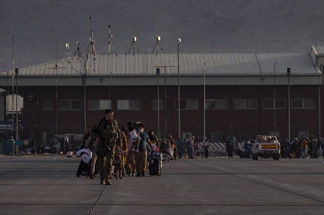 Treballs d'evacuació dels Estats Units en l'aeroport de Kabul