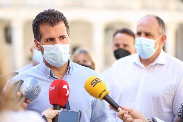 """Tudanca avisa de que el proyecto de reforma de la sanidad en CyL será el """"último clavo del ataúd de la despoblación"""""""