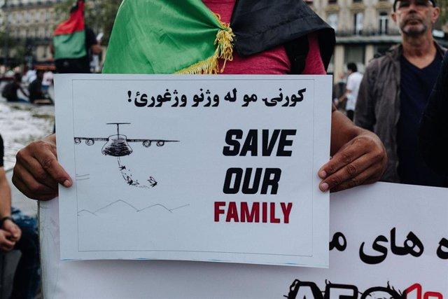Manifestación de solidaridad con Afganistán en París