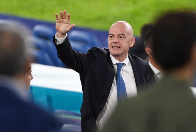 Archivo - 11 June 2021, Italy, Rome: FIFA President Gianni Infantino attends the UEFA EURO 2020 Group Asoccer match between Italy and Turkey at the Olympic Stadium. Photo: Matthias Balk/dpa