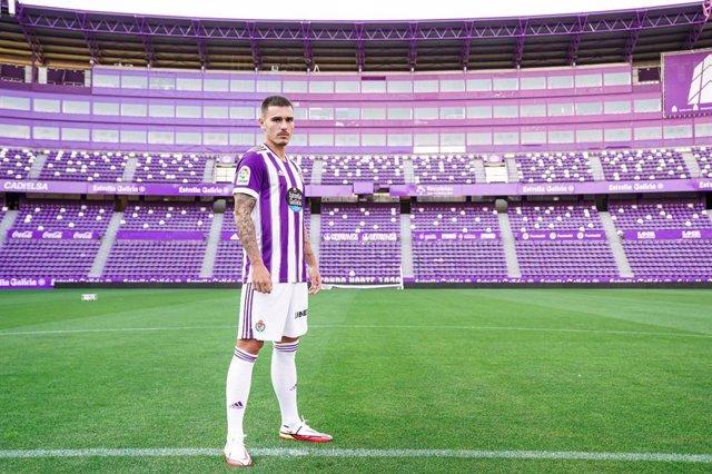 El jugador español Hugo Vallejo jugará en el Real Valladolid hasta 2024 tras el traspaso acordado con el Real Madrid