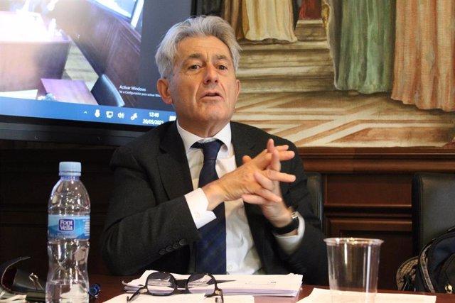 Archivo - El presidente del Consejo General de Economistas, Valentín Pich