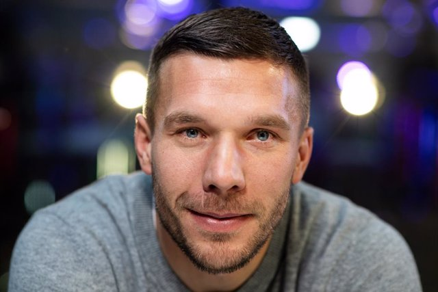 Archivo - FILED - 13 January 2019, Gummersbach: German soccer player Lukas Podolski smiles after signing a partnership agreement with the Internet service provider Rakuten. the former Germany international has revealed he has taken a considerable salary c