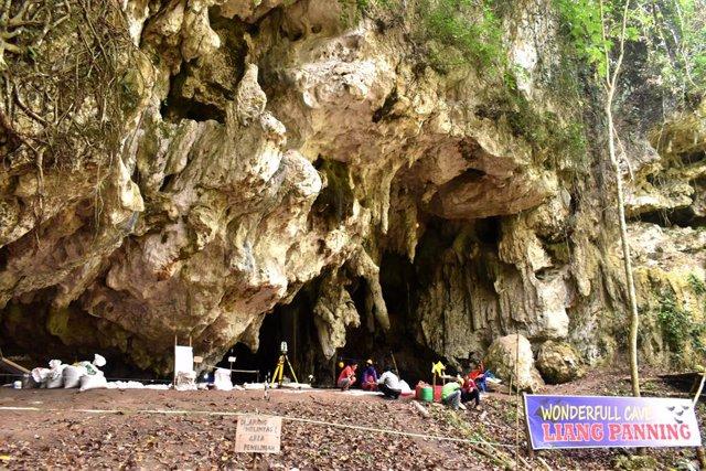 Archivo - La cueva de Leang Panninge en la península sur de Sulawesi, Indonesia