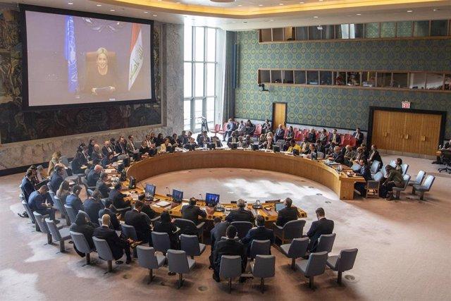 Archivo - Jeanine Hennis-Plasschaert habla en una reunión del Consejo de Seguridad relativa a Irak, en la sede de la ONU.