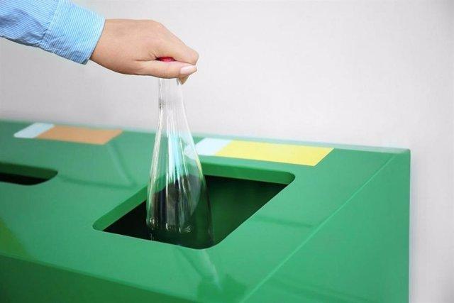 Archivo - Imagen de archivo del Proyecto 'TikTok por el Reciclaje' de la JCCM.