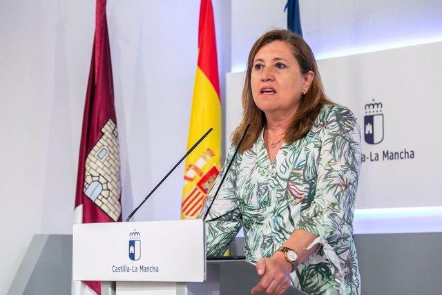 Archivo - La consejera de Educación, Rosana Rodríguez, en una foto de archivo