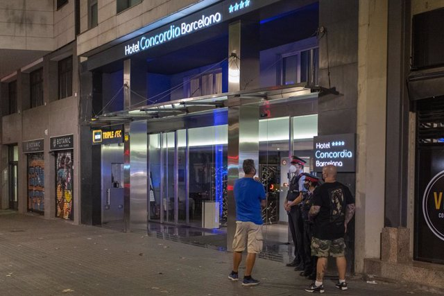 Entrada de l'Hotel Concòrdia Barcelona on van trobar al nen de dos anys trobat mort en la setena planta
