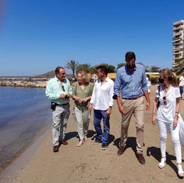 La diputada nacional de Vox Lourdes Méndez y el presidente provincial de esa formación en Murcia, José Ángel Antelo