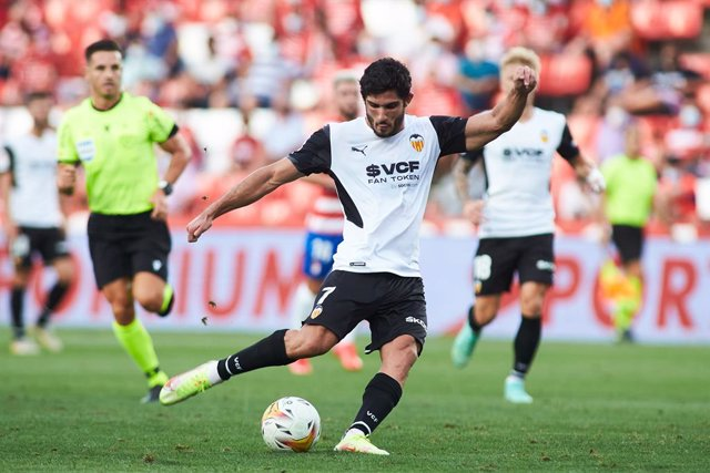 Gonzalo Guedes of Valencia in action during the spanish league, La Liga Santander, football match played between Granada Club de Futbol and Valencia Club de Futbol at Nuevos los Carmenes stadium on August 21, 2021, in Granada, Spain.