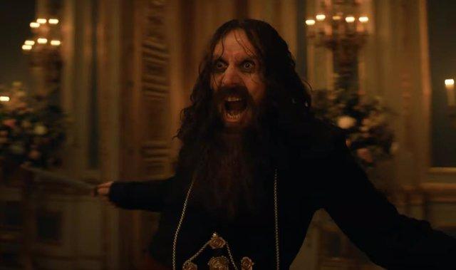 Rasputin, acción y una decapitación en el brutal tráiler sin censura de The King's Man