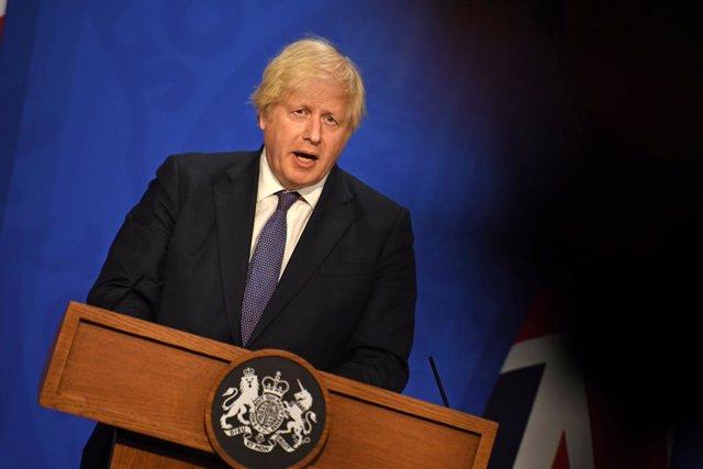 Archivo - 12 July 2021, United Kingdom, London: UK Prime Minister Boris Johnson speaks during a media briefing in Downing Street on coronavirus (Covid-19). Photo: Daniel Leal-Olivas/PA Wire/dpa