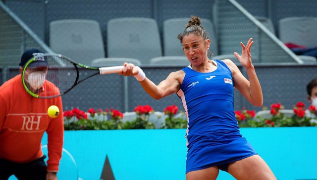 Archivo - Sara Sorribes Tormo of Spain during her first round match at the 2021 Mutua Madrid Open WTA 1000 tournament against Simona Halep of Romania