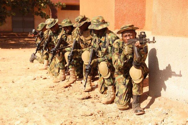 Archivo - Soldados nigerianos